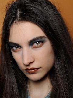 Fall 2020 Blue Eye Makeup Trend
