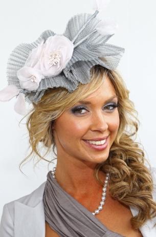 Stylish Celebrity Fascinator Hairstyles
