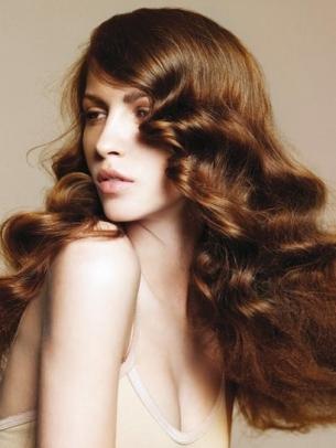 Flirty Long Hair Styles for Spring