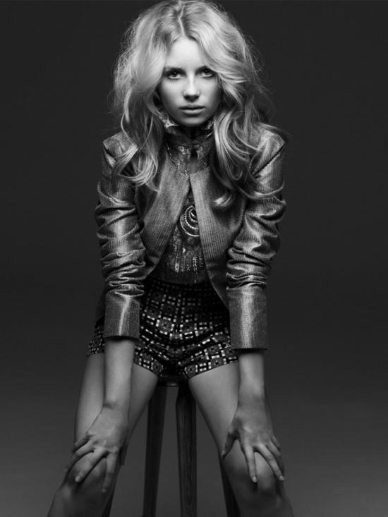 Kate Moss' Little Sister Makes Modeling Debut