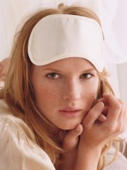 Strange Habits That Ruin Your Skin
