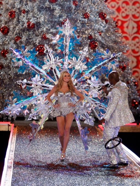 Heidi Klum Leaves Victoria's Secret