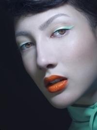 Les Classiques de Mily | Colored Stick-On Eyeliner Strips