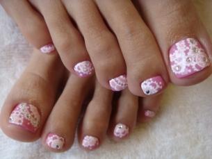 Chic Toe Nail Art Ideas for Summer