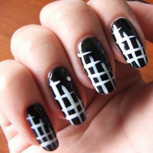 Simple Dark Nail Art Ideas
