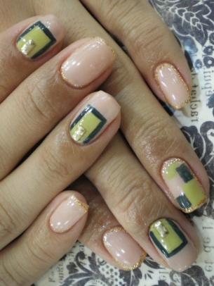 Groovy Spring Nail Art Ideas