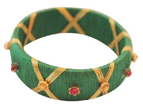 Flower pattern thread bangles
