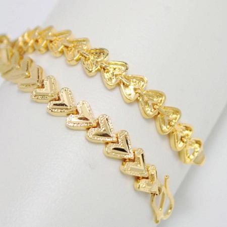 gold-bracelets-for-women-classic-gold-bracelets-with-heart-shape