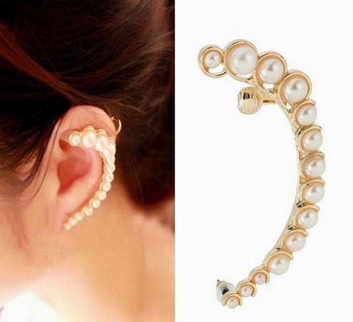 Moon shape clip on earring
