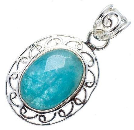 9 Beautiful Designs of Gemstone Pendants for Women