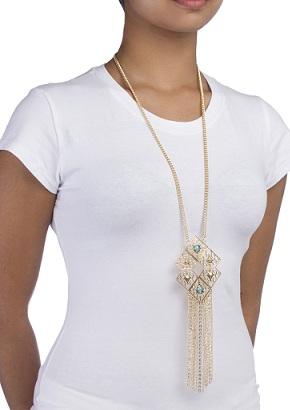 reverse-diamond-shaped-necklace-3