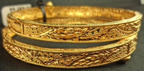 22 Karat Gold Filigree Patta Bangles
