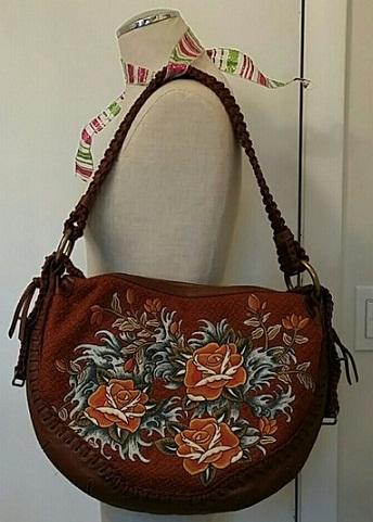 embroidered-hobo-bag