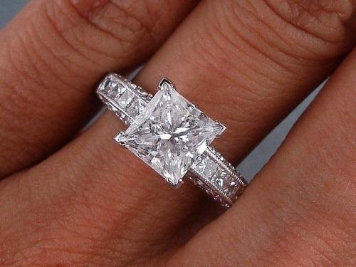 Princess cut 2- carat Diamond Ring