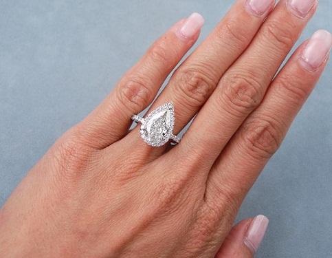 Pear Cut 2- carat Diamond Ring