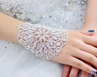 beautiful-bracelet-crystal-jewellery-design-5