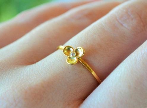 Single white Diamond Floral Stacking Ring