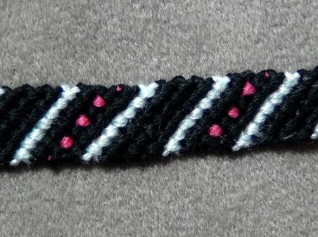 polka-dotted-friendship-bracelets-4