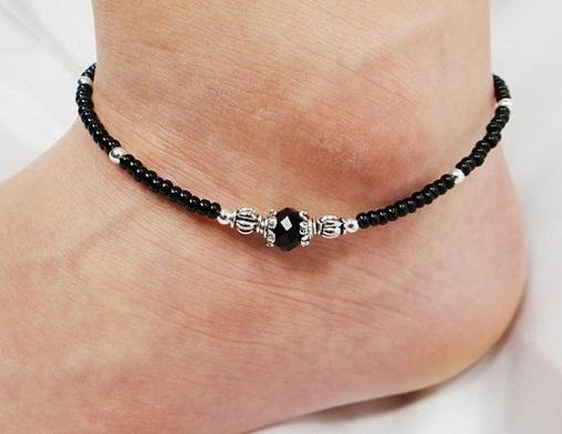 black-anklet-designs-black-bead-and-circular-anklet-design