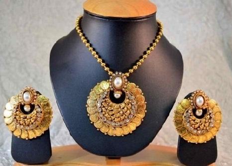 temple-jewellery-pendants-coin-lakshmi-ginni-pendant