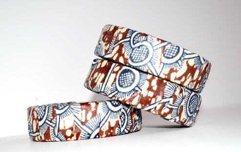 wooden-bangles-designs-gold-print-wooden-bangles