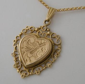 antique-heart-locket