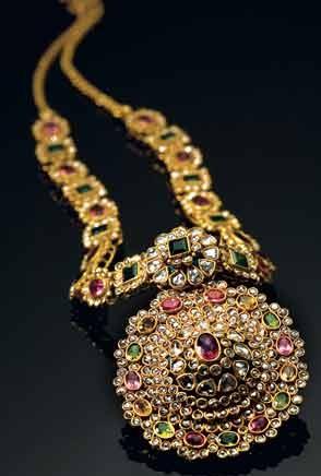 designer-gold-necklace1