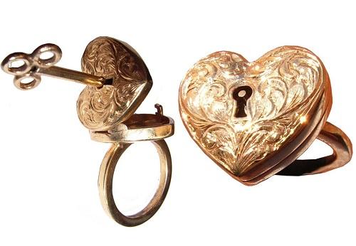 Vintage Style Locket Necklace