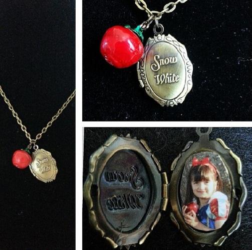 Souvenir' Locket Necklace