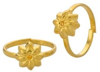 Flower Design Gold Toe Rings