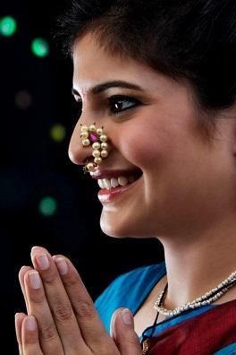 Maharashtrian Pressing Nose Pin