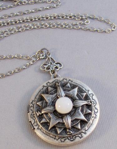 antique-moonstone-locket3