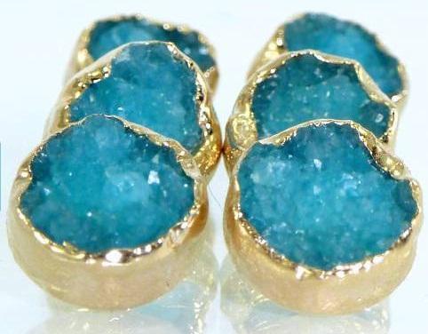 the-blue-druzy-stud-earrings4
