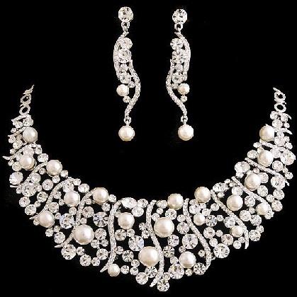 trendy-silver-jewelry-set-9