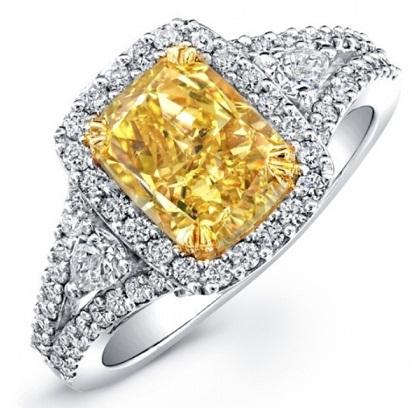 White and Yellow Diamond Ring Design