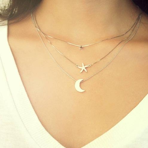 Small artificial necklaces