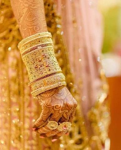 Bridal Bangle Sets in Gold