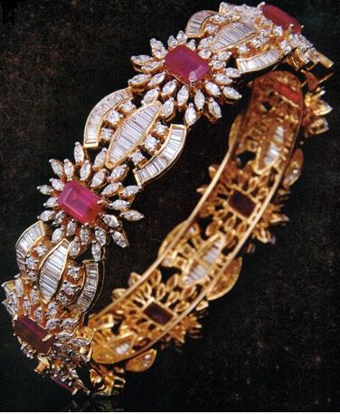 broad-diamond-chic-bangles5