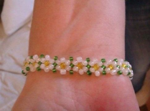 Daisy Chain bead bracelet