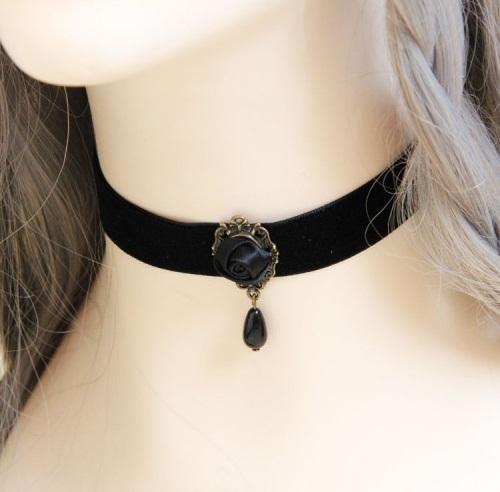 Black Rose pendant lace choker