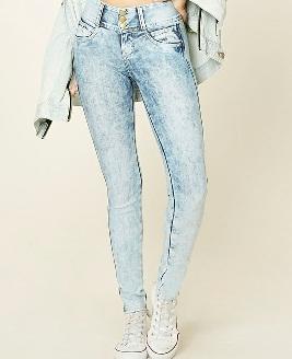 simple-light-blue-jeans1
