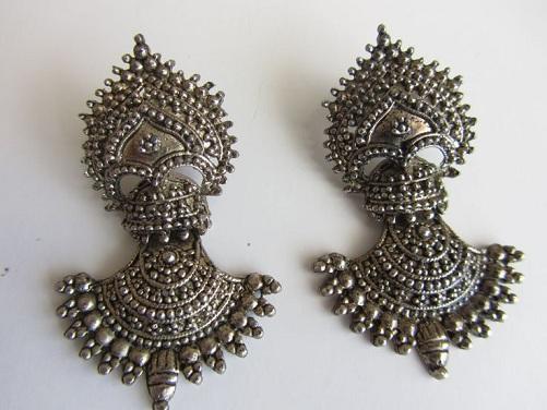tribal-silver-earrings