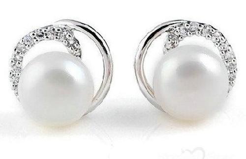 silver-pearl-studs