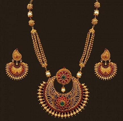 antique-gold-necklaces