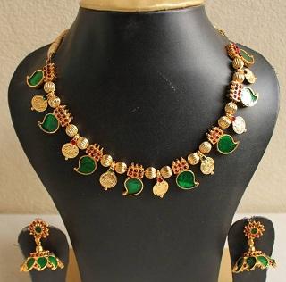 antique-leaf-design-necklace-set