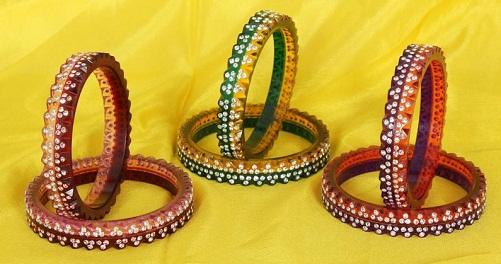 plastic-bangles-with-diamonds-embossed2