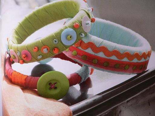 pretty-fabric-and-thread-plastic-bangles7
