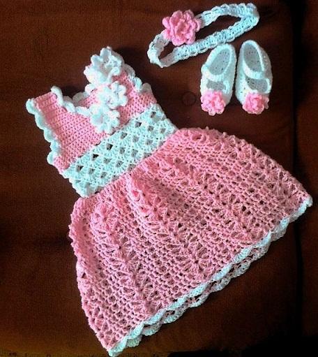 Top 9 Cute Qureshia Frocks for Babies
