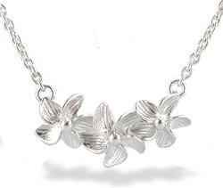 silver-flower-design-necklace-9