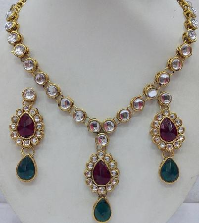 kundan-jewellery-designs-kundan-polki-jewellery